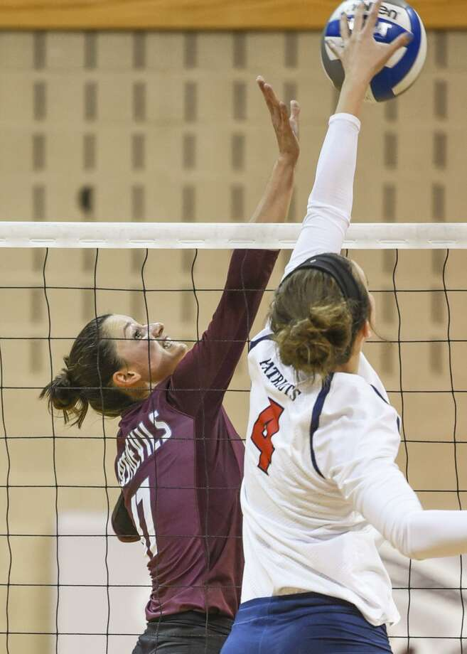 TAMIU setter Ronnie Fountain was named second-team All-Heartland Conference this week. Photo: Danny Zaragoza /Laredo Morning Times File