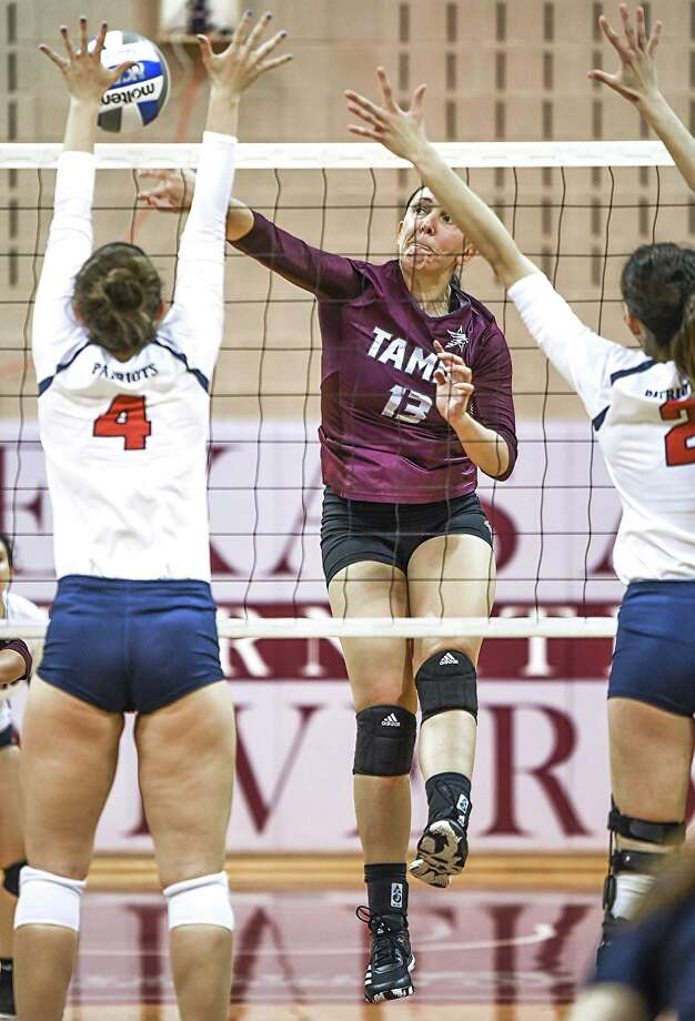 Aleksandra Bilic and the Dustdevils lost in four sets at home to Newman on Thursday. Photo: Danny Zaragoza /Laredo Morning Times File