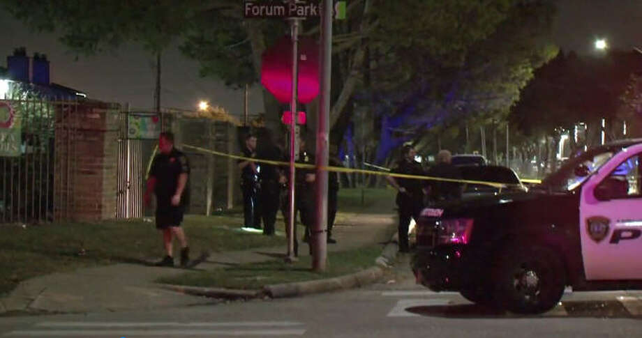 One man was killed and another wounded in a SW Houston shooting Photo: Metro Video