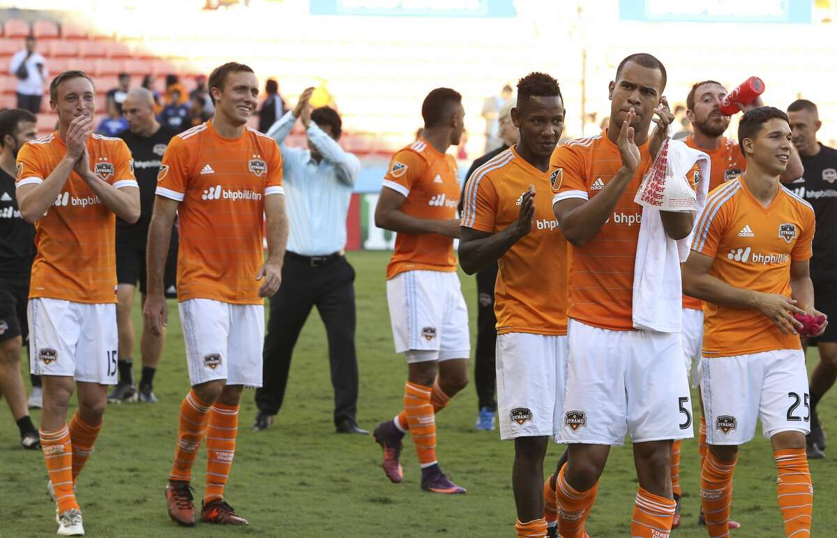 Houston Dynamo players thank the fans after defeating Chicago Fire at the last MLS regular game at BBVA Compass Stadiujm on Sunday, Oct. 22, 2017, in Houston. The Houston Dynamo defeated the Chicago Fire 3-0. ( Yi-Chin Lee / Houston Chronicle )