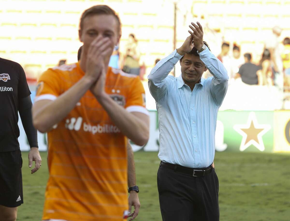 Houston head coach Wilmer Cabrera thanks the fans after defeating Chicago Fire at the last MLS regular game at BBVA Compass Stadiujm on Sunday, Oct. 22, 2017, in Houston. The Houston Dynamo defeated the Chicago Fire 3-0. ( Yi-Chin Lee / Houston Chronicle )