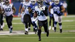 Running back T.J. Yeldon (24) has become an important cog in the Jaguars' offense after replacing the injured Leonard Fournette. On Sunday, Yeldon carried the ball nine times for 122 yards and a touchdown on a 58-yard scamper.