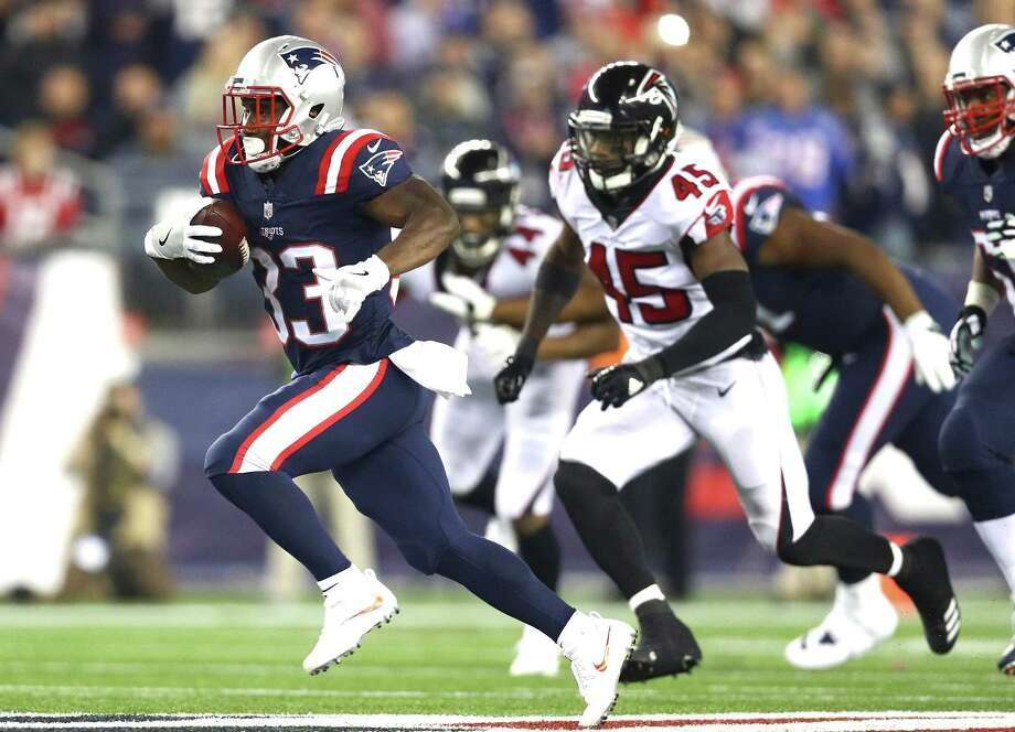 FOXBORO, MA - OCTOBER 22: Dion Lewis #33 of the New England Patriots carries the ball during the second quarter of a game against the Atlanta Falcons at Gillette Stadium on October 22, 2017 in Foxboro, Massachusetts. (Photo by Maddie Meyer/Getty Images) ORG XMIT: 700070701 Photo: Maddie Meyer / 2017 Getty Images