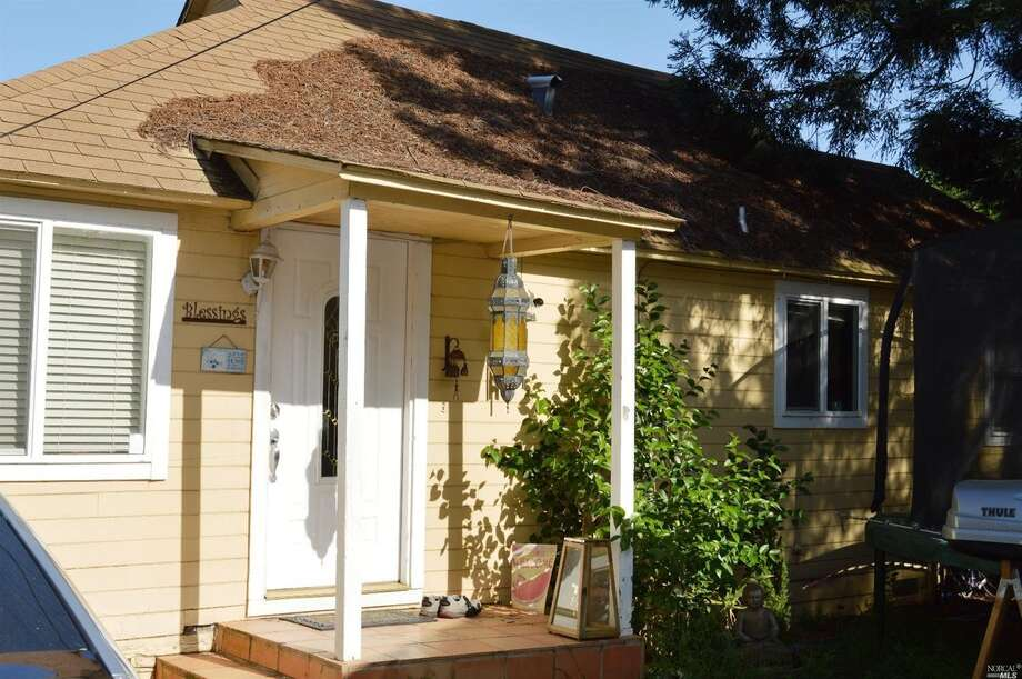 In Old Town Napa, at 568 Monroe St., this bungalow has two bedrooms and was built in 1936.It also has a small yard. It's asking $399K. Photo: MLS