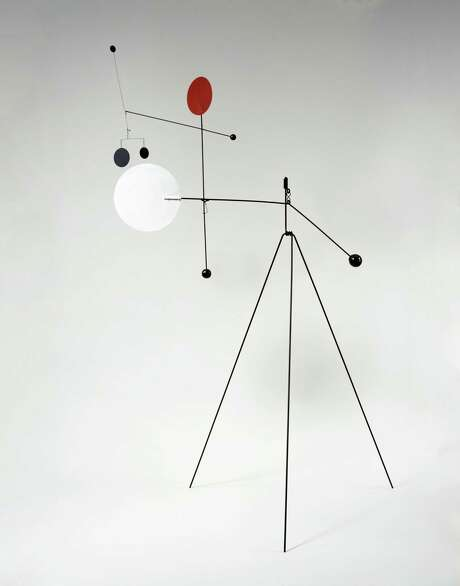 Red, White, Black and Brass, 1934 / Alexander Calder. © 2017 Calder Foundation, New York / Artists Rights Society (ARS), New York  Photography Photo: Stalsworth / Blanc