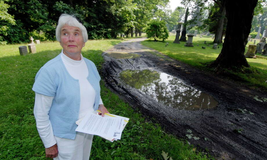 Theresa Page, who died Saturday, at Oakwood Cemetary in Troy in 2007. Page, then known as Theresa Cooke, was a major critic of the Democratic political machine in the early 1970s. (Archive photo.) Photo: SKIP DICKSTEIN / ALBANY TIMES UNION