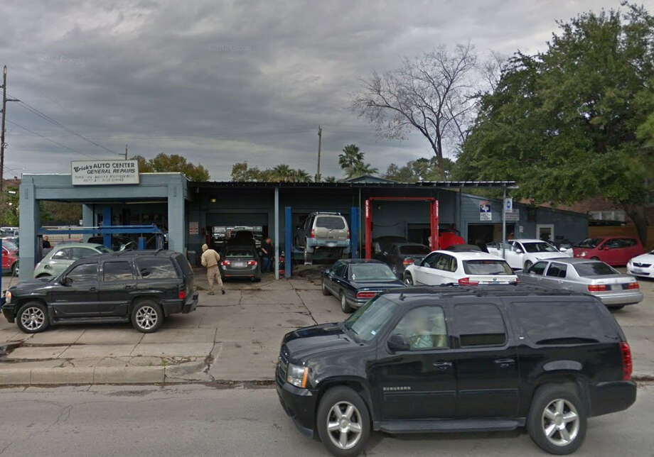5a5eb6f20630 E&E Automotive Services Yelp rating: 5 starsLocation: 1854 West  AlabamaNeighborhood: Montrose