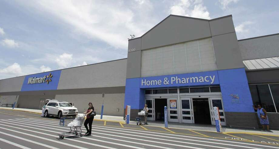 Walmart is experimenting with virtual reality in its online sales to attract customers in its competition with Amazon.com. Photo: Alan Diaz /Associated Press / Copyright 2017 The Associated Press. All rights reserved.