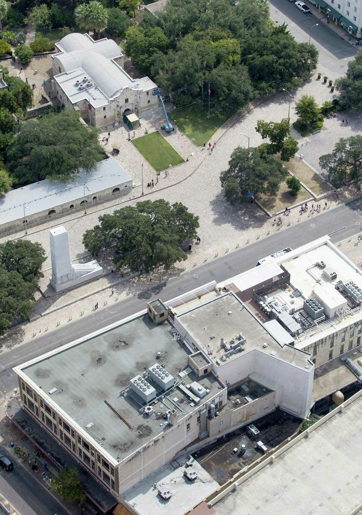 San Antonio is moving forward on what could be a controversial proposal to close Alamo Plaza to vehicle traffic as part of a plan to create a