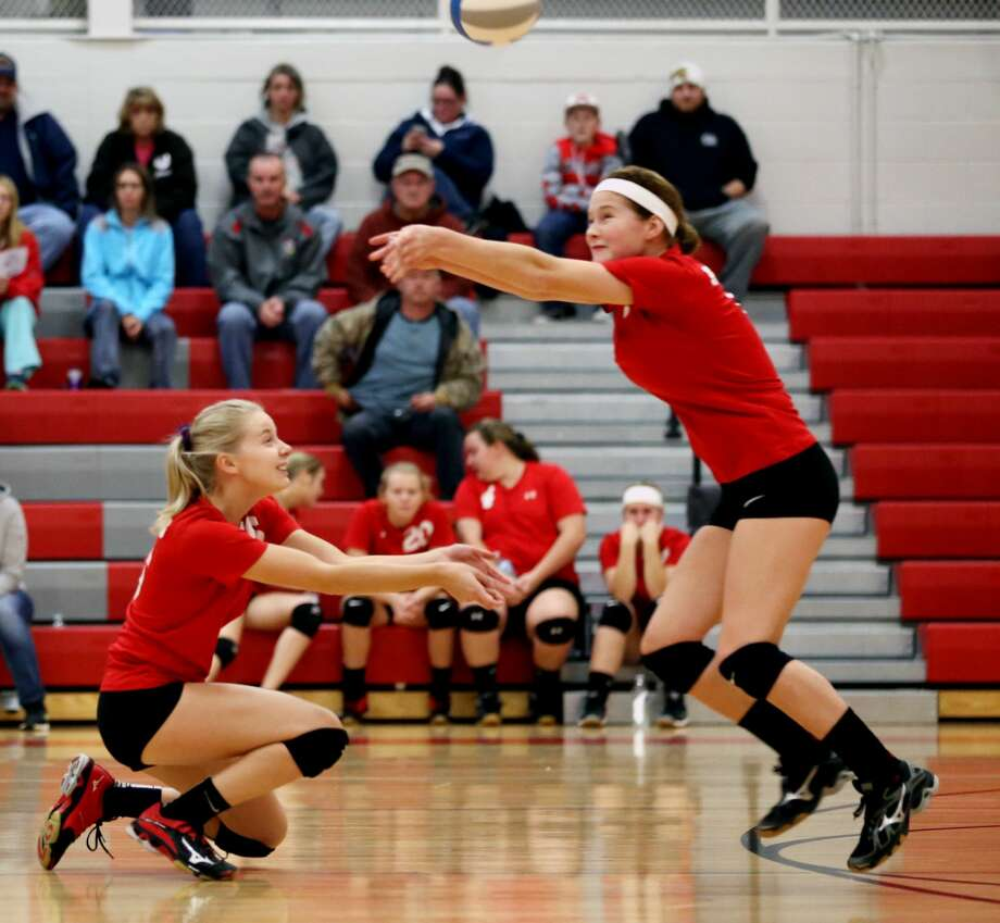 Caseville at Owen-Gage — Volleyball 2017 Photo: Paul P. Adams/Huron Daily Tribune