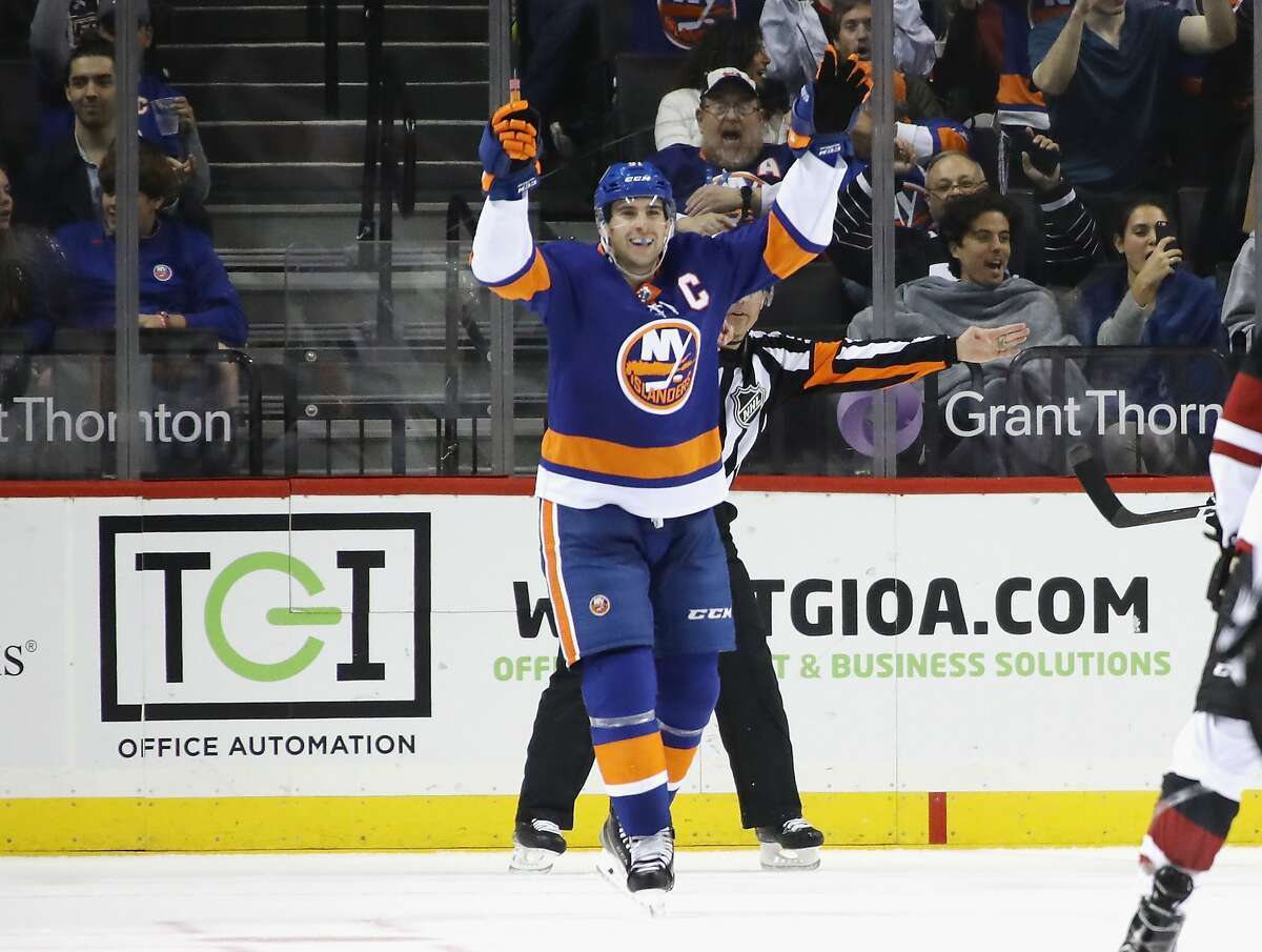 NEW YORK, NY - OCTOBER 24: John Tavares #91 of the New York Islanders celebrates his third goal of the game against the Arizona Coyotes at 12:41 of the third period at the Barclays Center on October 24, 2017 in the Brooklyn borough of New York City. (Photo by Bruce Bennett/Getty Images)