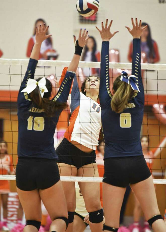 Lauren Arzuaga and United face McAllen on the road at 6 p.m. Tuesday while Alexander hosts a match at 2 p.m. against Mission Veterans. Photo: Danny Zaragoza /Laredo Morning Times File / Laredo Morning Times