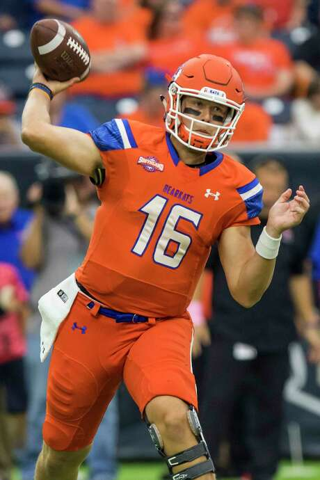 Sam Houston State quarterback Jeremiah Briscoe (16) attempts a pass in the Battle of the Piney Woods, NCAA Football Championship Subdivision football game at NRG Stadium on Saturday, October 1, 2016, in Houston. (Joe Buvid / For the Houston Chronicle) Photo: Joe Buvid, Freelance / © 2016 Joe Buvid