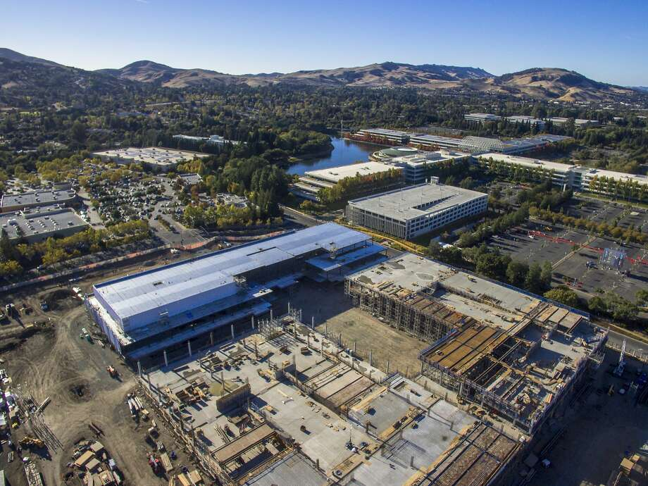 City Center Bishop Ranch is under construction in San Ramon, with the design of renowned architect Renzo Piano, who designed the California Academy of Sciences in Golden Gate Park. Photo: Santiago Mejia, The Chronicle