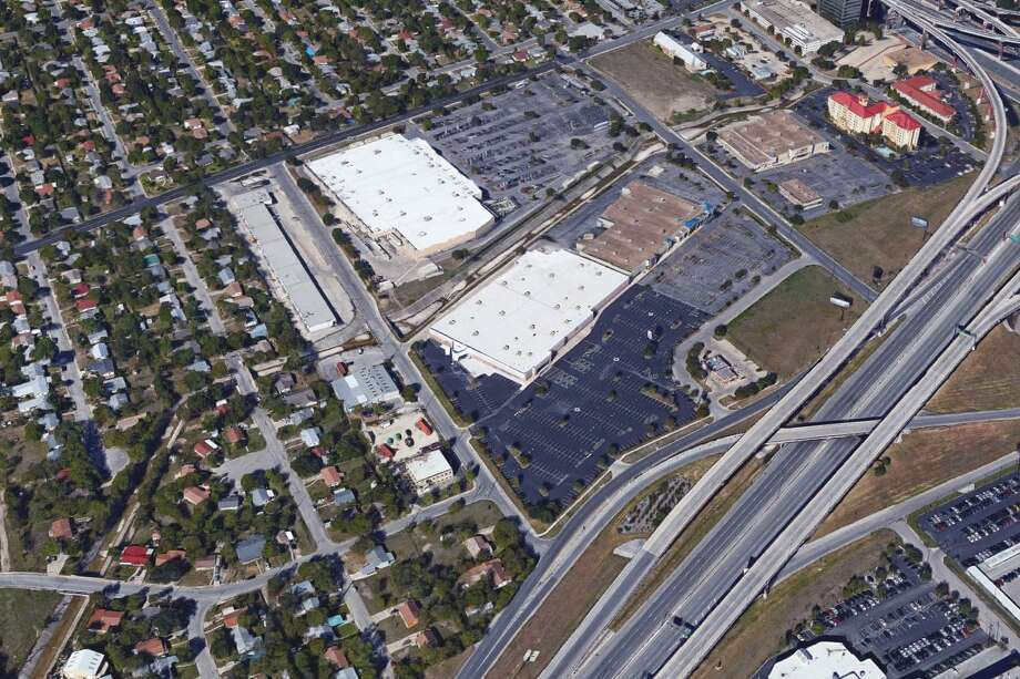 EG Tejas, a company that Whataburger executives created last year, bought a 9.9-acre property at the crossing of Loop 410 and U.S. 281 earlier this month. Photo: Google Maps