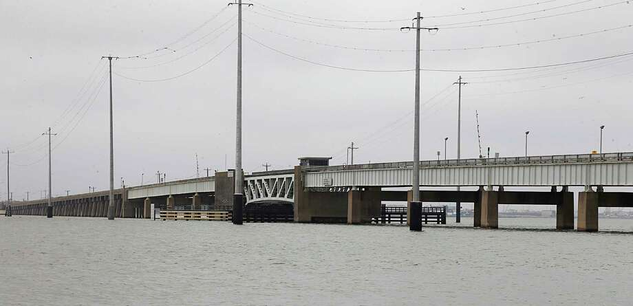 A Galveston County bond package would fund repair of the drawbridge on the Pelican Island Causeway. Photo: James Nielsen, Staff / © 2016  Houston Chronicle