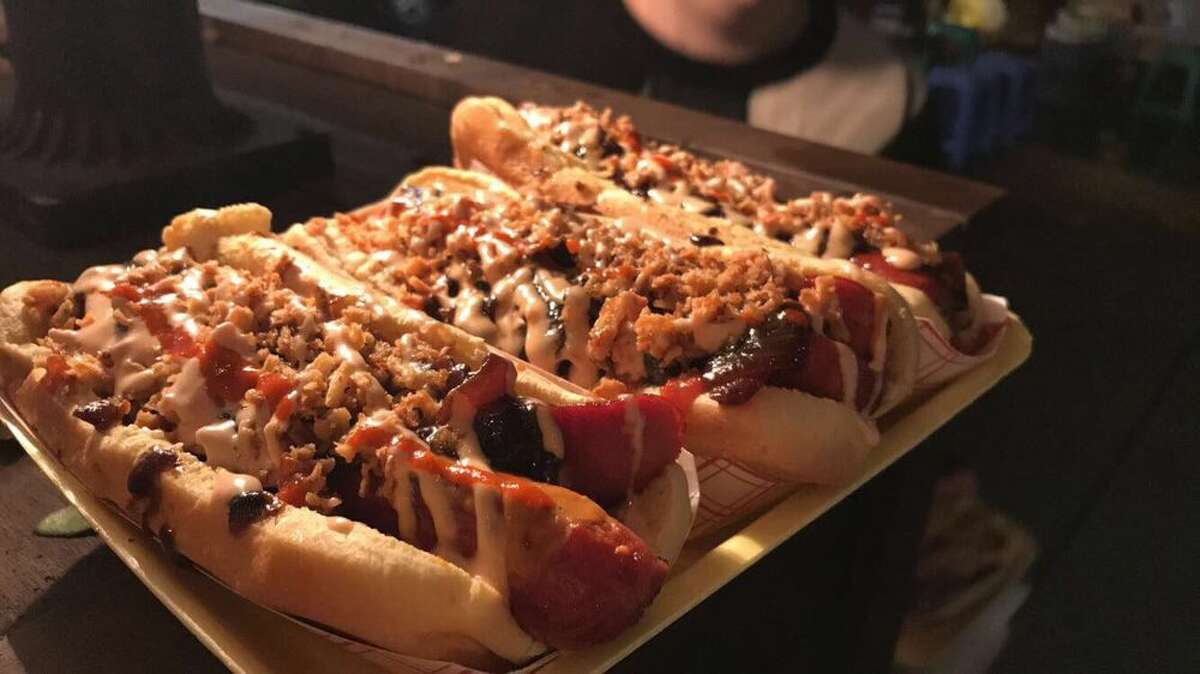 Yoyo's Hot Dogs- Pinks Pizza 1403 Heights Blvd., Houston, TX 77008 Demerits: 39 Inspection Highlights:Clean ventilation filters at sufficient frequencies to prevent accumulations. Observed no control valve at liquid waste tank. Operator use a seal end pipe to control liquid waste water. Replace. Photo: Yelp/Jennifer N. Keep clicking to see which restaurants landed on this week's Houston restaurant violations list.