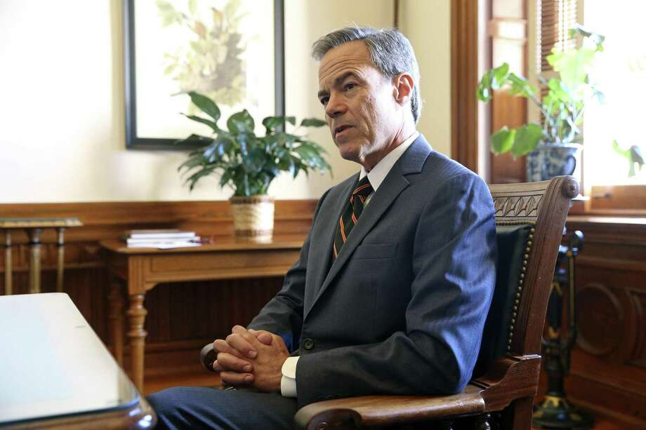 House Speaker Joe Straus talks in his office at the State Capitol on October 25, 2017. Photo: Tom Reel, Staff / San Antonio Express-News / 2017 SAN ANTONIO EXPRESS-NEWS