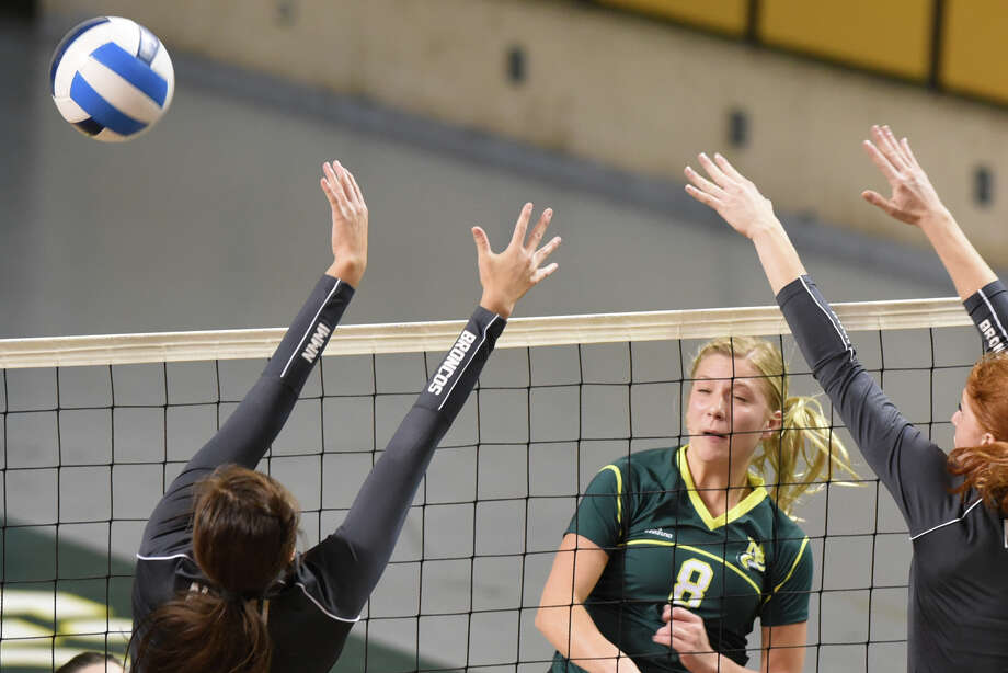 Midland College's Breann Schreiber (8) hits against New Mexico Military Institute on Oct. 25, 2017 at Chaparral Center. James Durbin/Reporter-Telegram Photo: James Durbin