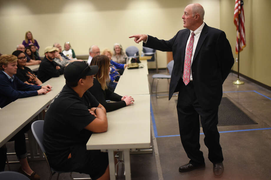 Kel Seliger, a senator representing District 31, met with Midlanders during a town hall meeting Oct. 25, 2017, at the Midland County Public Library Centennial Branch. James Durbin/Reporter-Telegram Photo: James Durbin