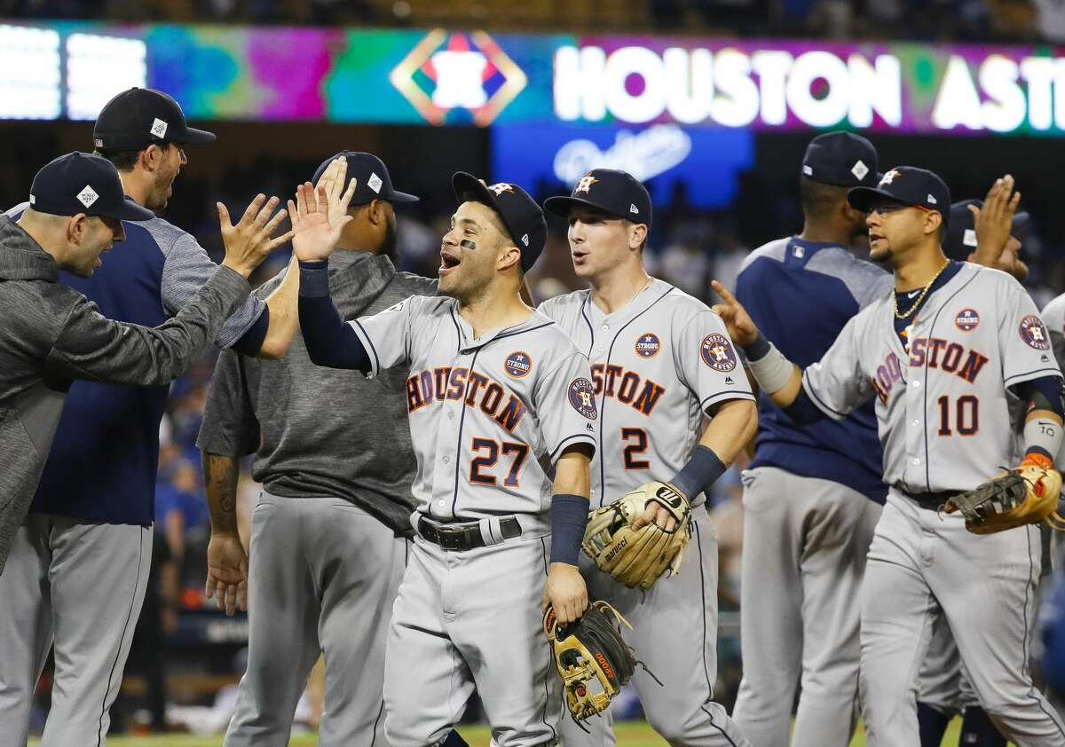 PHOTOS: How we graded the Astros after their Game 2 World Series win The Astros were all smiles after coming back to beat the Dodgers 7-6 in 11 innings in Game 2 of the World Series on Wednesday in Los Angeles. Browse through the photos above to see how Chron.com graded the Astros after their win.