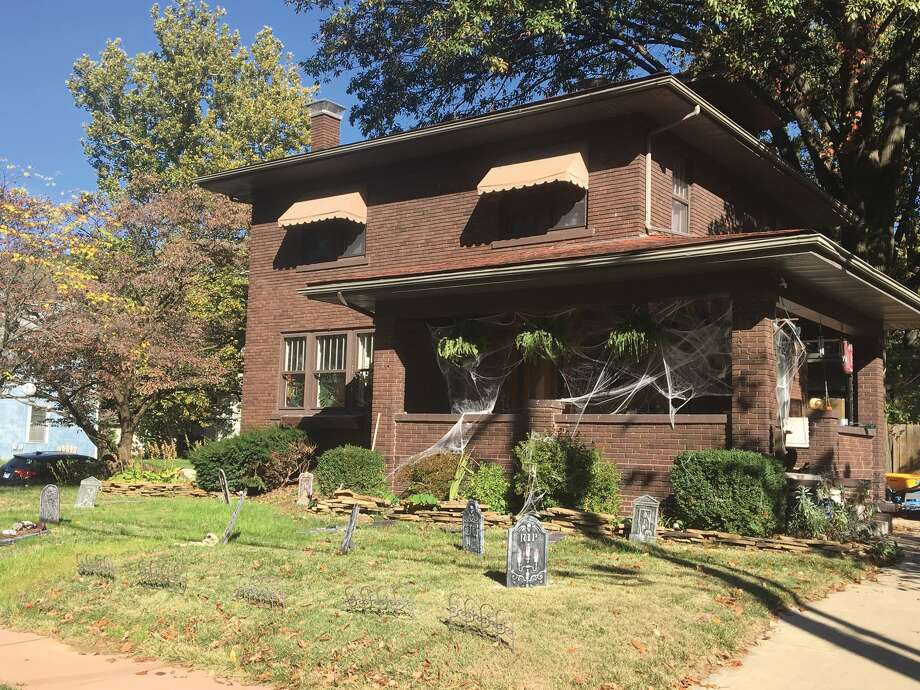 Decked out with cobwebs, tombstones and cemetery-like fencing, this house on West Union in Edwardsville is ready for Halloween. The Edwardsville/Glen Carbon Chamber of Commerce's Annual Parade will step off at 6:30 p.m. Tuesday in downtown Edwardsville. Watch for a complete story in an upcoming edition of the Intelligencer. Photo: Bill Tucker