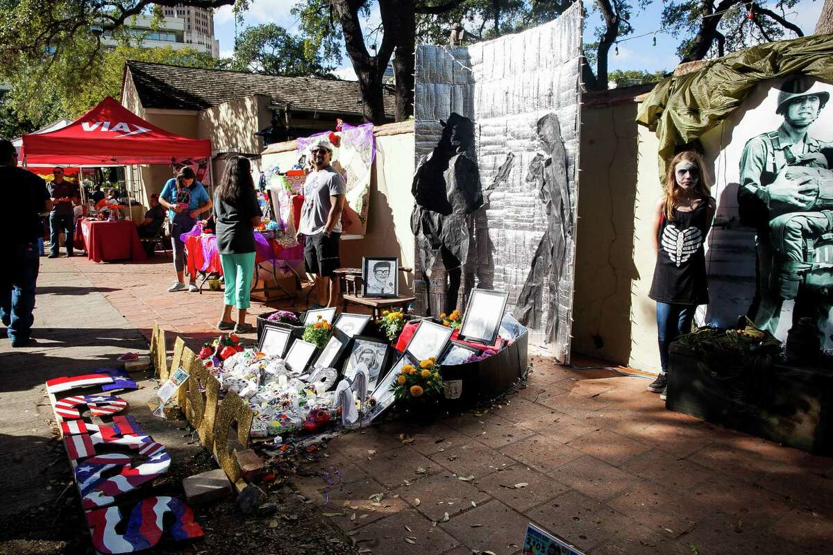 A two-day fiesta that commemorates the Day of the Dead. Includes an altar-building contest, cultural workshops, a procession of the dead, art vendors and live music and poetry. Free. 10 a.m.-11 p.m. Saturday, Noon-10 p.m. Sunday. La Villita, 418 Villita St., muertosfest.com. -- Polly Anna Rocha