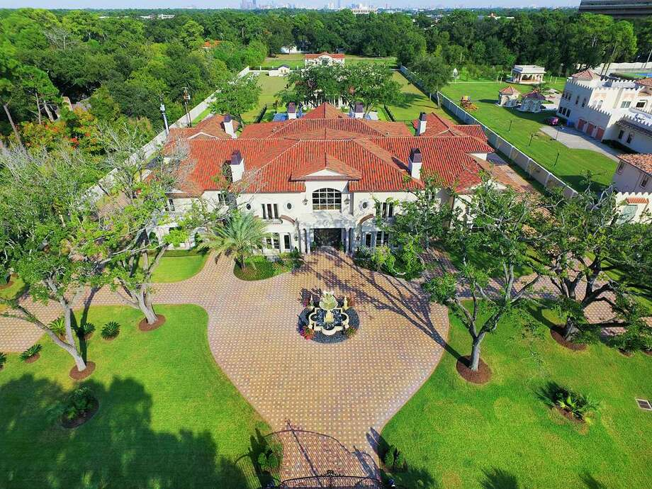 The Palladian-style home at 6 W. Rivercrest is on the market in Houston's Rivercrest area. Photo: TK Images