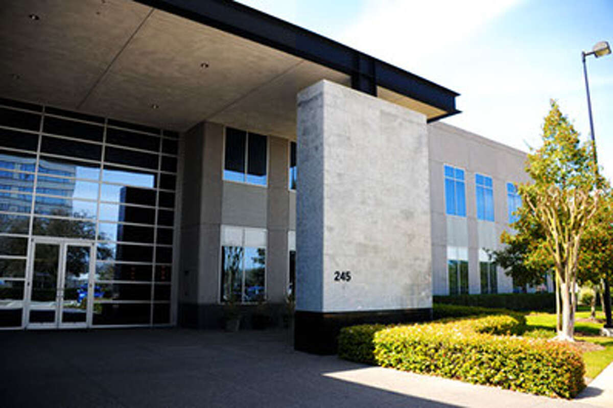 A multi-tenant building in Commerce Green Office Park at 245 Commerce Green Blvd, Sugar Land, is 100-percent occupied after several leases. Poynter Commercial Properties Corp. leases and manages the park for Commerce Green Associates.