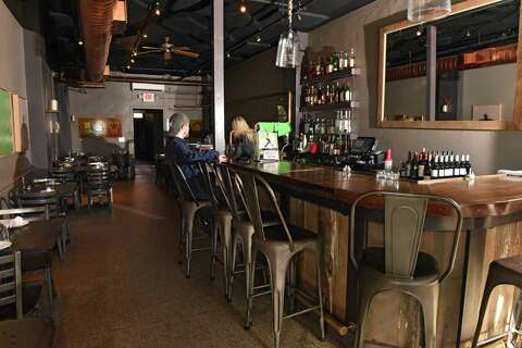 Restaurant Review District Kitchen Bar In Pittsfield