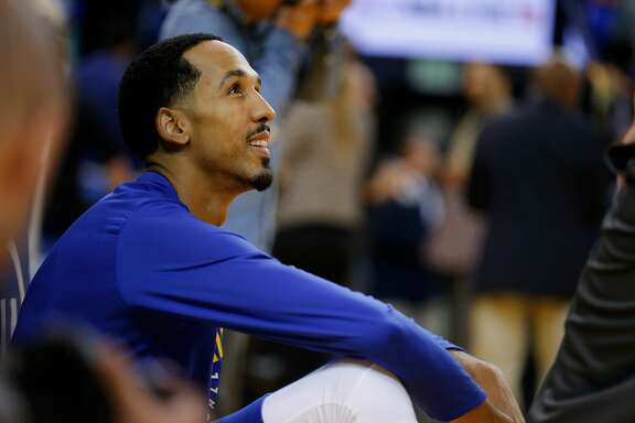 Golden State Warriors guard Shaun Livingston (34) before an NBA game between the Golden State Warriors and Toronto Raptors at Oracle Arena on Wednesday, Oct. 25, 2017, in Oakland, Calif.