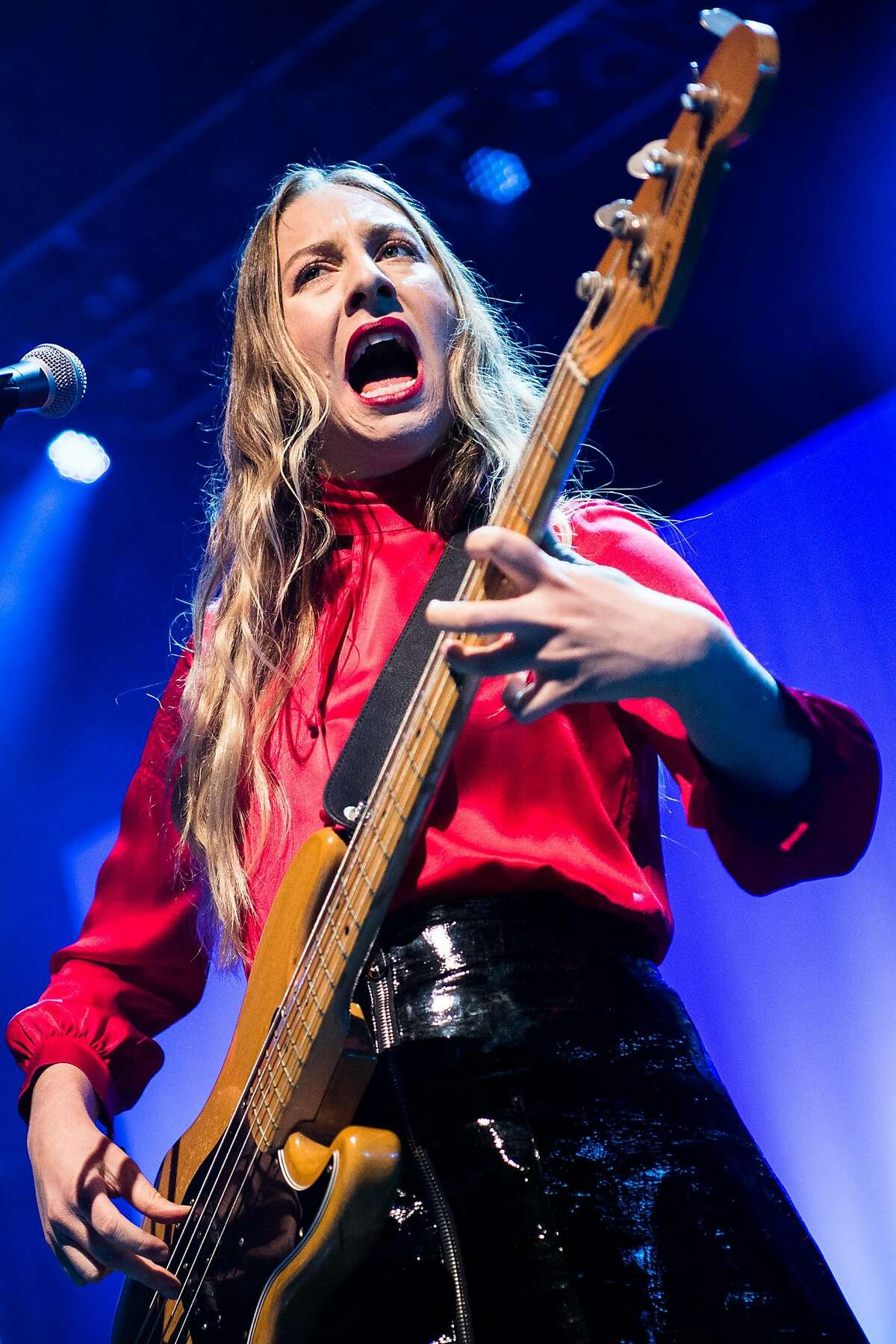 LOS ANGELES, CA - OCTOBER 19: Este Haim of HAIM performs onstage at The Greek Theatre on October 19, 2017 in Los Angeles, California. (Photo by Emma McIntyre/Getty Images)