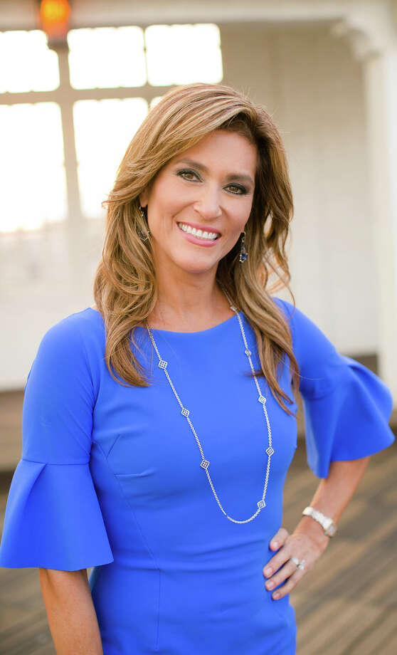 After 20 years at KENS, 6 and 10 p.m. anchorwoman Sarah Lucero will leave next month to spend more time with family and to pursue fitness. Photo: KENS-TV