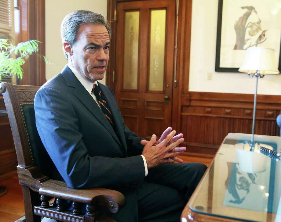 House Speaker Joe Straus talks in his office at the State Capitol on October 25, 2017. Photo: Tom Reel, Staff / 2017 SAN ANTONIO EXPRESS-NEWS