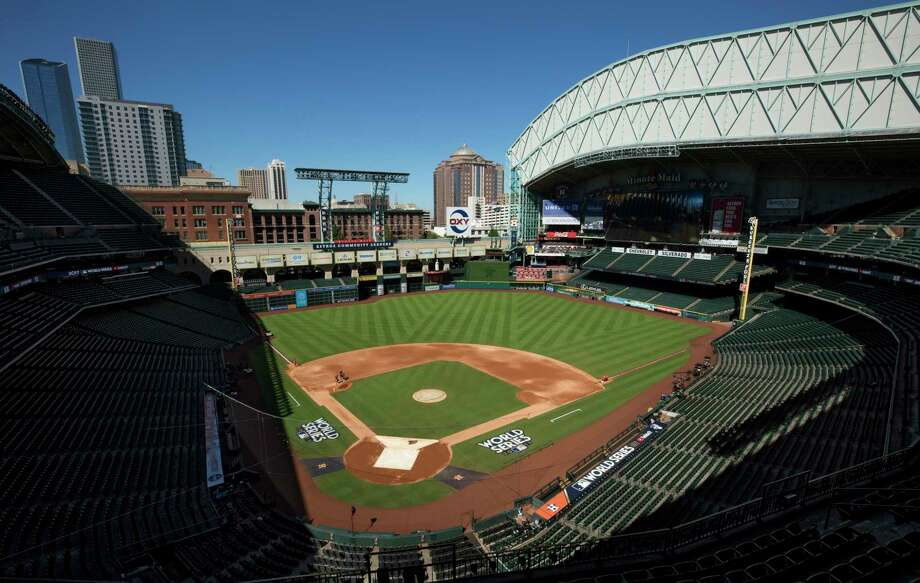 Minute Maid Park seen with the roof open Thursday, Oct. 26, 2017, in Houston. The Houston Astros come back home for the next three games of the World Series against the Los Angeles Dodgers. Photo: Godofredo A. Vasquez, Houston Chronicle / Godofredo A. Vasquez