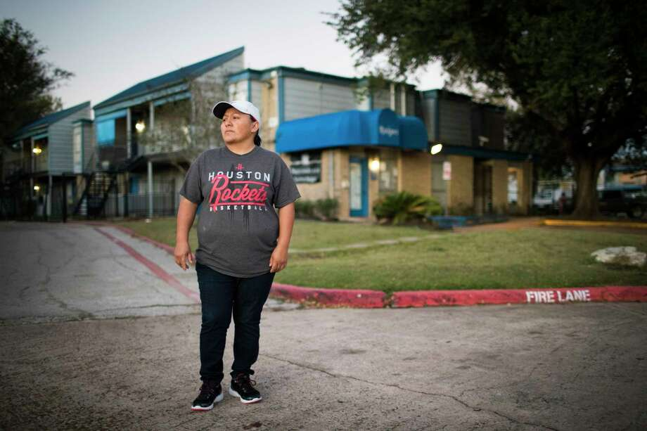 Eneyda Hernandez thought she didn't have to pay September rent at Rockport Apartments because she lived on the ground floor damaged by Hurricane Harvey, but she received an eviction notice. A judge agreed she could stay until Oct. 27.  Photo: Marie D. De Jesus, Staff / © 2017 Houston Chronicle