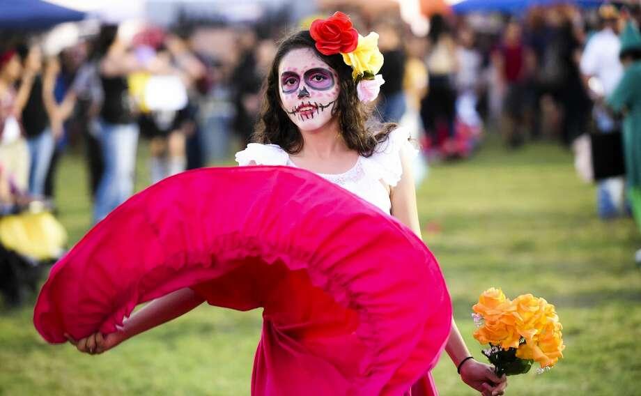 Laredoans headed out to Texas A&M International University for the school's Halloween Fest on Thursday, Oct. 26, 2017. Photo: Danny Zaragoza/Laredo Morning Times
