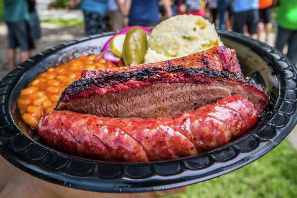 Killen's Barbecue's Beef Rib and lean moist briquet, shot Saturday, July 22, 2017, in Pearland. ( Nick de la Torre / )