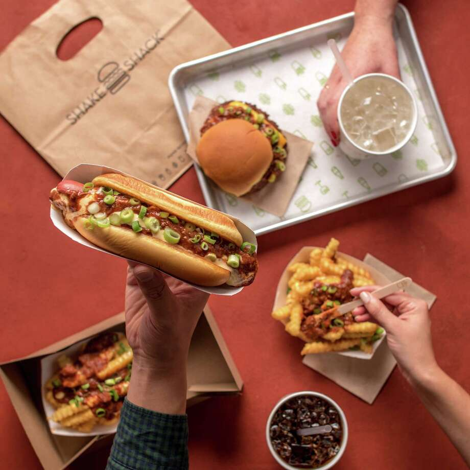 If the Astros win the World Series, Shake Shack will give the first 50 customers at the Houston Galleria restaurant a free chili cheese dog the day after the final game. Photo: Shake Shack