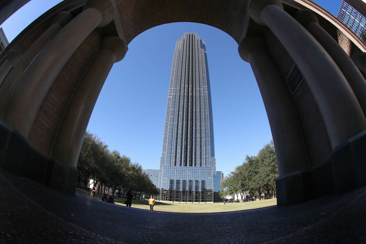 The Williams Tower Wednesday, Oct. 25, 2017, in Houston. ( Steve Gonzales / Houston Chronicle )