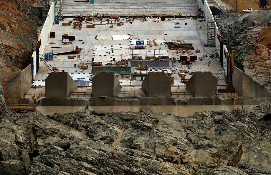 Construction and repairs continue at the lower section on the main spillway of the Oroville Dam, in Oroville, Ca., on Thursday October 19, 2017. Photo: Michael Macor, The Chronicle