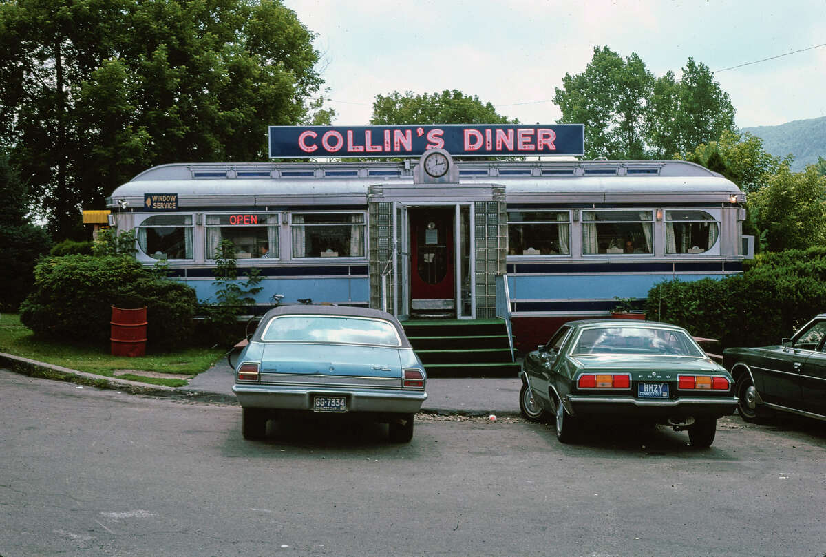 John Margolies' Roadside America: Connecticut in the 1970s Above: Collin's Diner (1942), Route 7, Canaan, Connecticut, 1976.