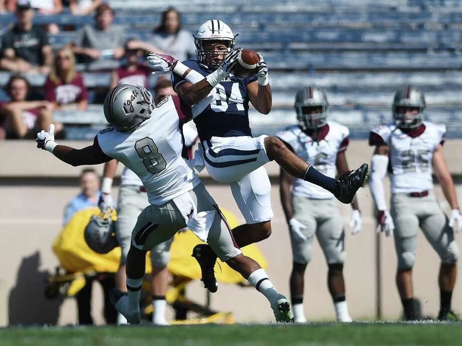 Wide receiver Christopher Williams-Lopez, right, and the Yale football team are set to face unbeaten Columbia on Saturday. Photo: Catherine Avalone / Hearst Connecticut Media File Photo / New Haven RegisterThe Middletown Press