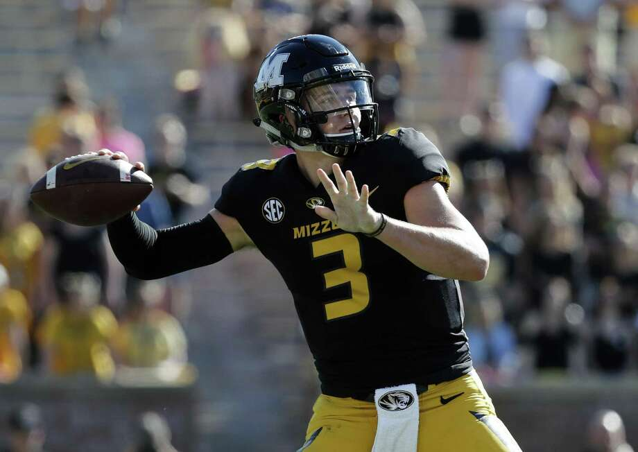 UConn will need to pressure quarterback Drew Lock to have a chance against Missouri on Saturday. Photo: Jeff Roberson / Associated Press / Copyright 2017 The Associated Press. All rights reserved.