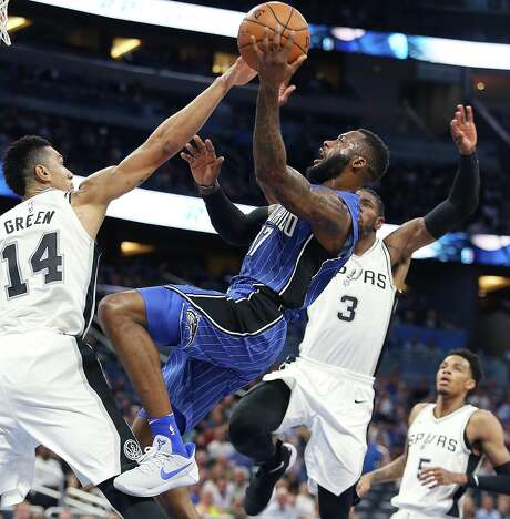 Spurs' win streak snapped by Orlando Magic, 114-87