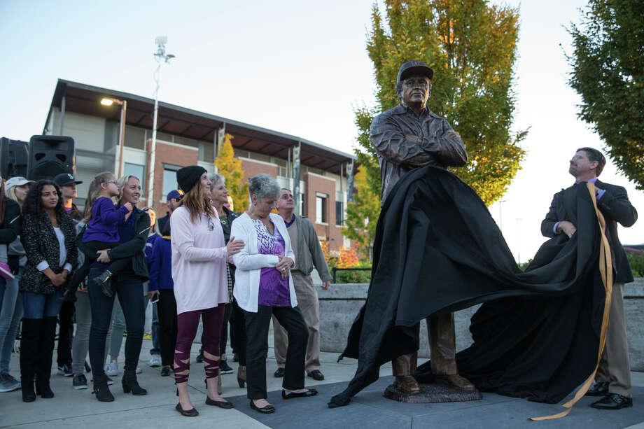 A statue of the late Don James, former University of Washington head coach, is revealed outside Husky Stadium on Friday, Oct. 27, 2017. Photo: GRANT HINDSLEY, SEATTLEPI.COM / SEATTLEPI.COM