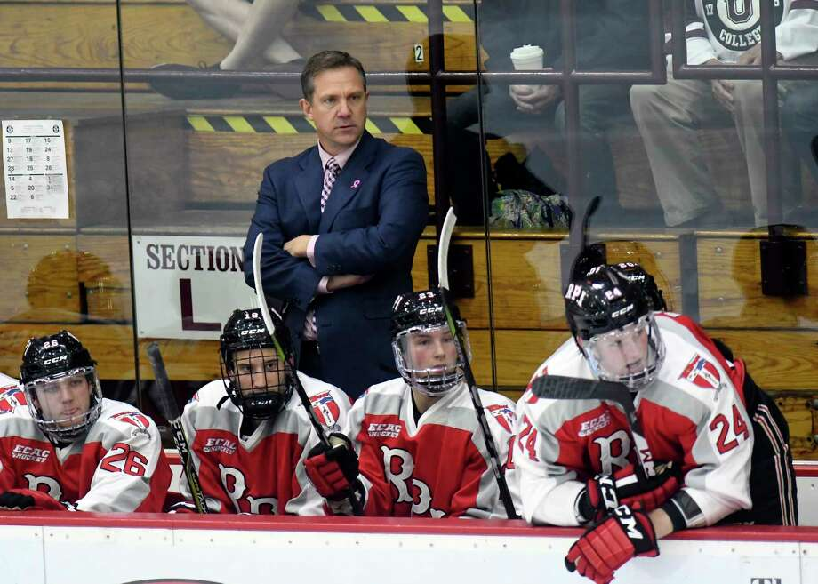 Rensselaer Engineers head coach Dave Smith instructs his players against the Union Dutchmen during the second period of an NCAA college hockey game Friday, Oct. 27, 2017, in Schenectady, N.Y., (Hans Pennink / Special to the Times Union) ORG XMIT: HP108 Photo: Hans Pennink / Hans Pennink