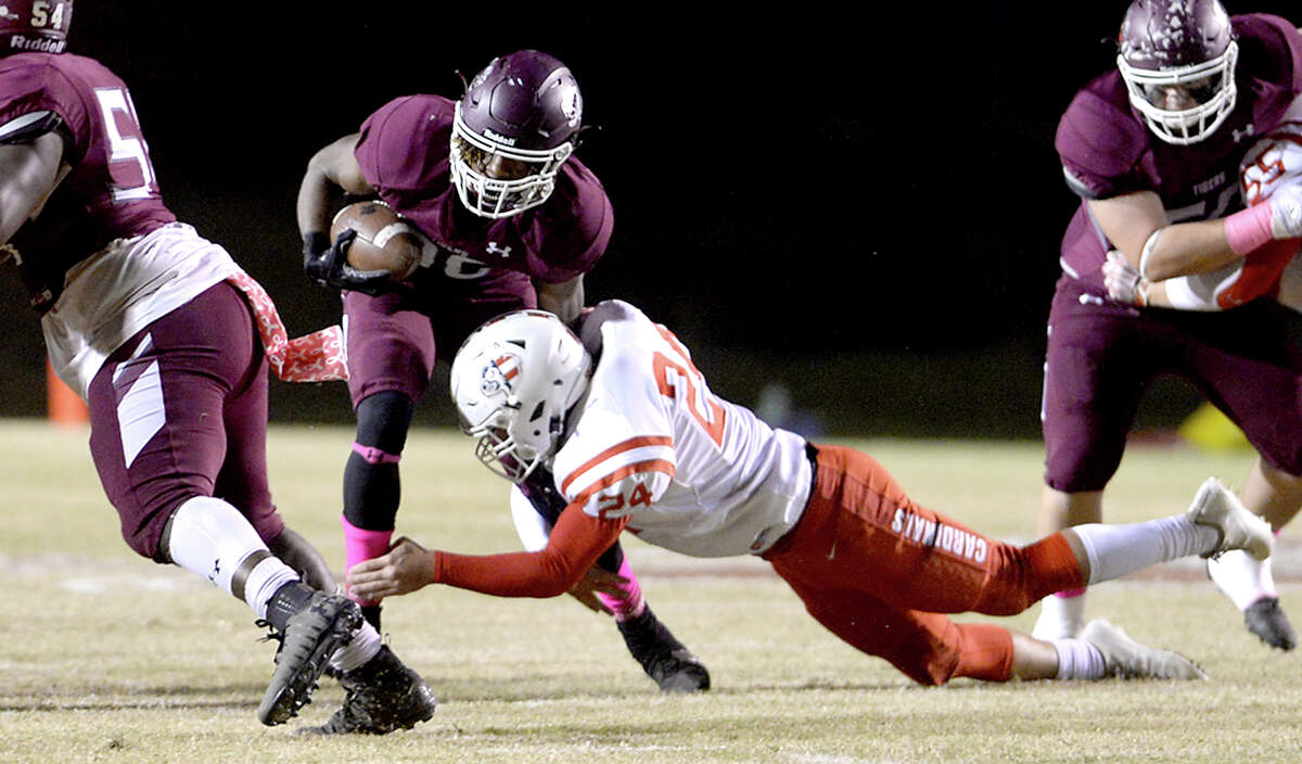 Christopher Martin School: Silsbee Position: RB Notes: The sophomore running back had four touchdowns - including a 62-yard run and a kickoff return - in Silsbee's 61-30 win over Huffman-Hargrave.