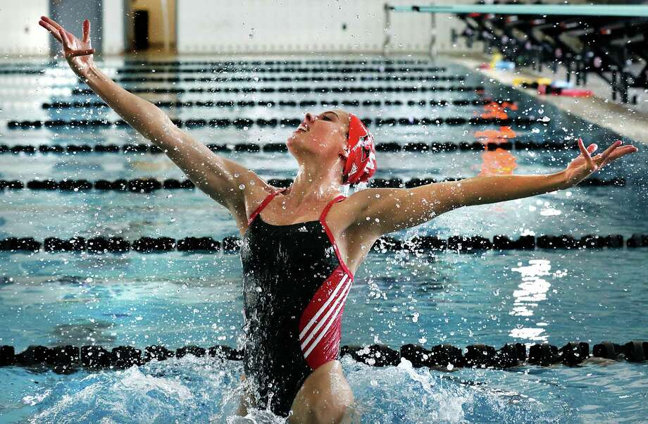 Synchronized swimmer Natalia Vega, a sophomore at University of the Incarnate Word, practices in the college pool, on Monday, Sept. 18, 2017. Photo: Bob Owen, Staff / San Antonio Express-News / ©2017 San Antonio Express-News