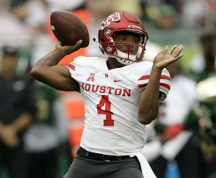 Houston quarterback D'Eriq King throws a pass against South Florida during the first half of an NCAA college football game, Saturday, Oct. 28, 2017, in Tampa, Fla. (AP Photo/Chris O'Meara) Photo: Chris O'Meara/Associated Press